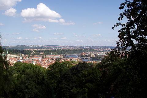 FOTKA - výhled na Prahu z Petřína - 1)