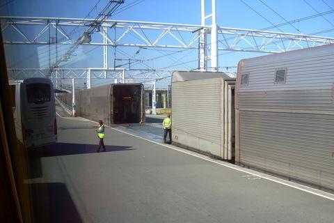 FOTKA - Vjezd do vlaku do EuroTunelu