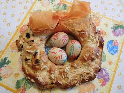 FOTKA - Velikonoční věneček s mašlí