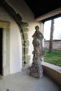 FOTKA - Bojnice..socha u kapličky