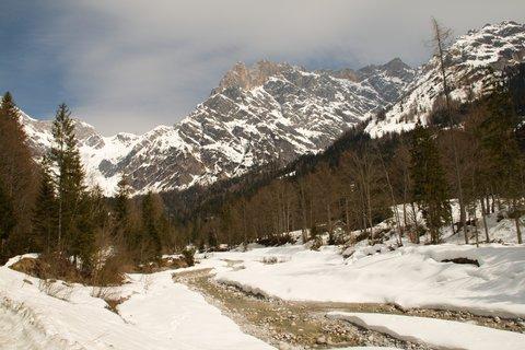 FOTKA - Ještě zimní procházka k Triefen - Potok v údolí