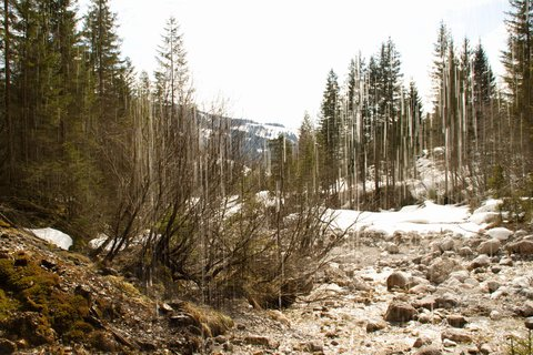 FOTKA - Ještě zimní procházka k Triefen - Přes vodní záclonu