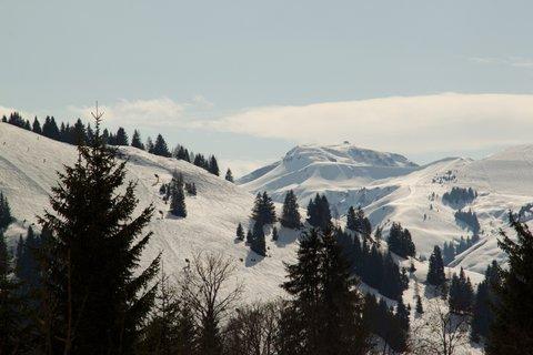 FOTKA - Ještě zimní procházka k Triefen - Okolní pohoří