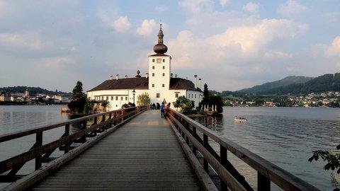 FOTKA - Gmunden - Zámek Orth