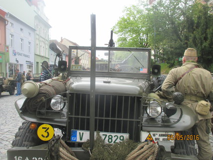 FOTKA - veterán s kulometem