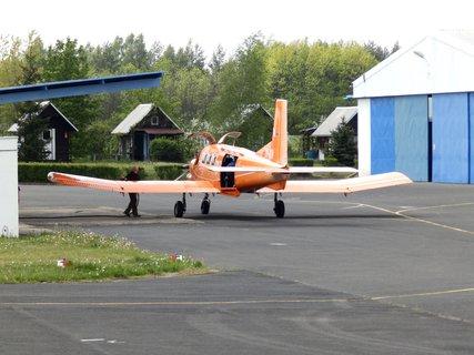 FOTKA - Tankování letadla
