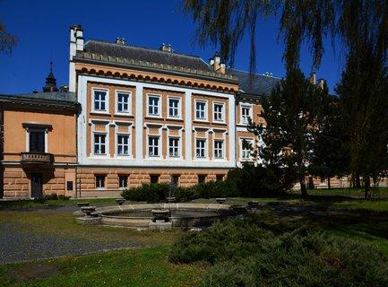 FOTKA -  Zámek Světlá nad Sázavou je od  roku 1958 je chráněn jako kulturní památka České republiky
