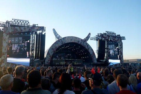 FOTKA - koncert australské hardrockové legendy AC/DC navštívilo 60 000 tisíc fanoušků