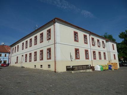 FOTKA - Kouřim -  radnice (dnes muzeum a infocentrum)