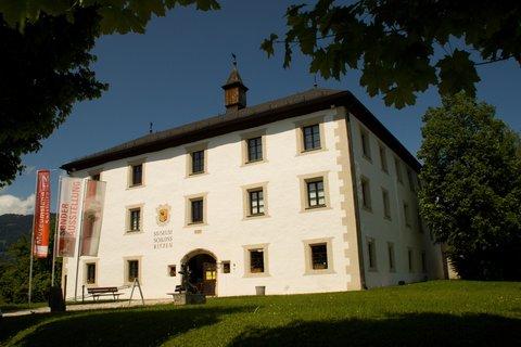 FOTKA - Zase jednou okolo Ritzensee - Zámek Ritzen
