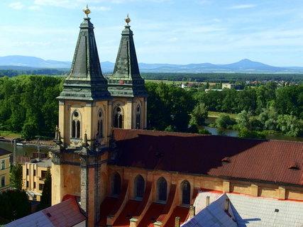 FOTKA - Kostel Narození Panny Marie - přestavěný v 1333 z románského kostelíka na gotický