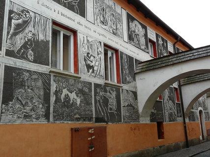 FOTKA - malovaný dům