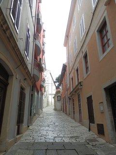FOTKA - ulička v Pule - Chorvatsko