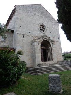 FOTKA - Pula - Kostel svatého Františka postavený ve 13. století je krásnou ukázkou pozdního románského slohu.