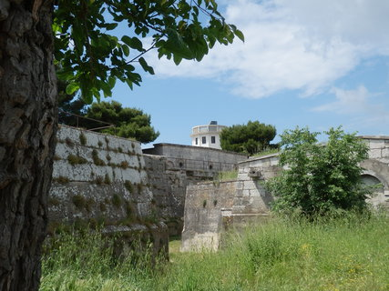 FOTKA - příkopy kolem pevnosti/Pula/Chorvatsko