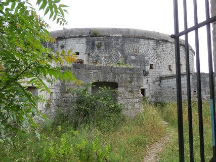 FOTKA - řada pevností vznikla v Pule a okolí na základě rozhodnutí z roku 1850, umístit v Pule hlavní válečný přístav Rakouského císařství