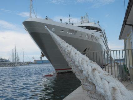 FOTKA - z přístavu....Pula