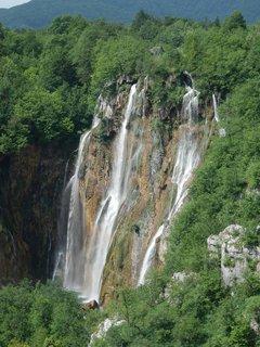 FOTKA - Plitvice, velký vodopád z vyhlídky