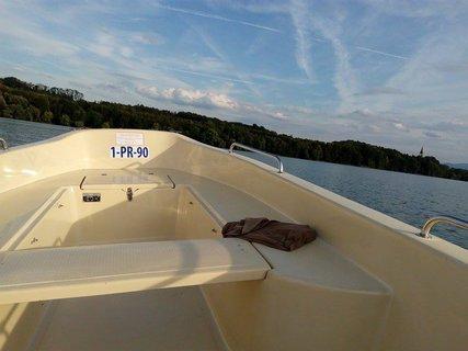 FOTKA - Projížďka v motorové lodi na Žermanické přehradě