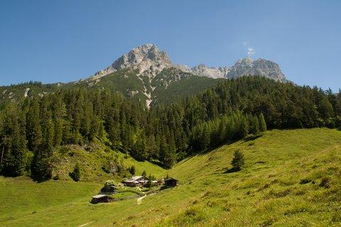FOTKA - Výšlap ke Steinalm - Poslední podle na Steinalm a okolní hory
