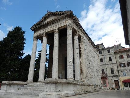 FOTKA - Augustův chrám / Pula, Istrie