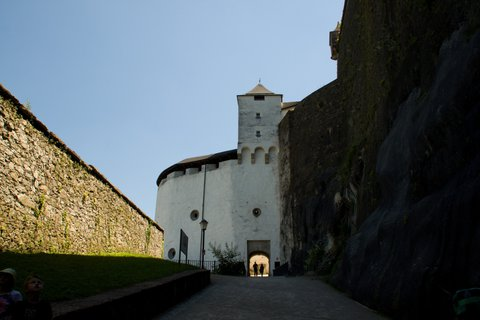 FOTKA - Školní výlet do Salzburgu - Jdeme na pevnost