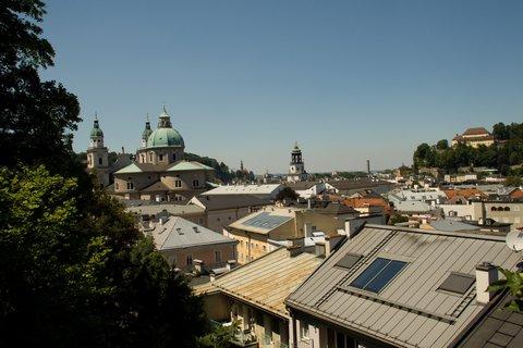 FOTKA - Školní výlet do Salzburgu - Nad salzburgskými střechami