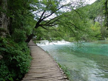 FOTKA - chodníček.....Plitvice / Chorvatsko