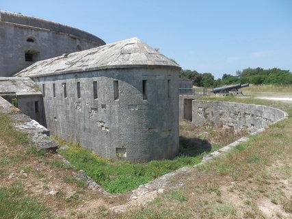 FOTKA - jedna z mnoha pevností kolem Puly, Istrie