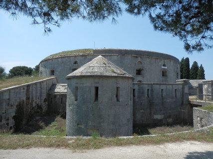 FOTKA - i pevnostní architektura může být zajímavá (Istrie)