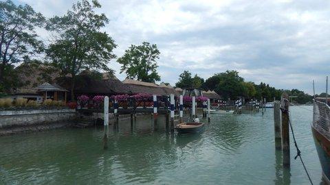 FOTKA - Restaurace přímo u moře