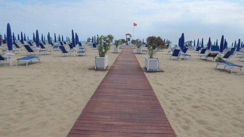 FOTKA - chodníčky na plážích