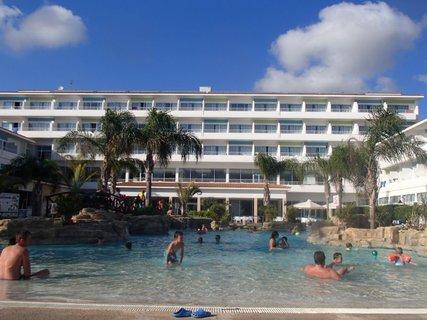 FOTKA - Sentido Cypria Bay - poobedné kúpanie v bazéne