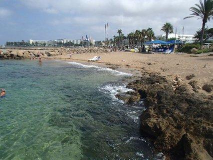 FOTKA - Cyprus - časť Paphos - skalnaté pobrežie