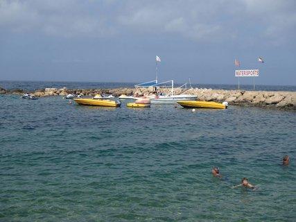FOTKA - Cyprus - loďky pripravené pre turistov