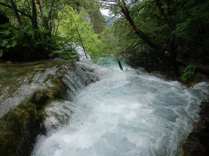 FOTKA - nad jedním z mnoha vodopádů