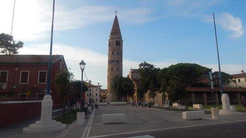 FOTKA - kostel a okolí