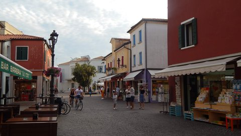 FOTKA - v centru městečka Caorle
