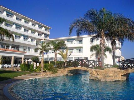 FOTKA - Sentido Cypria Bay - pohľad na bočnú časť hotela