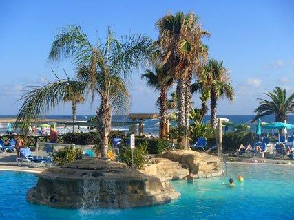 FOTKA - Sentido Cypria Bay - ostrovčeky v bazéne