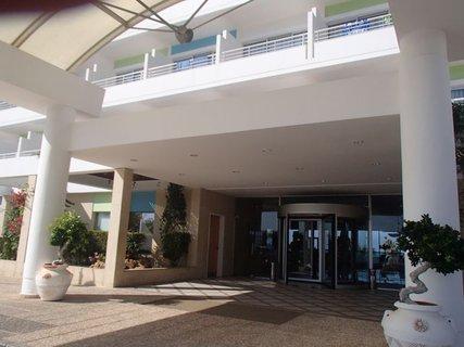 FOTKA - Sentido Cypria Bay - vstup do hotela