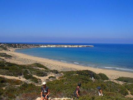 FOTKA - Cyprus - pohľad na pláž Lara z kopca