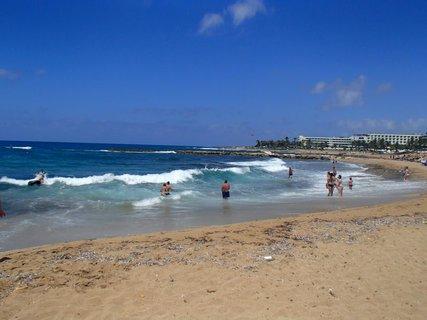 FOTKA - Cyprus - kúpanie vo vlnách