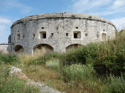 FOTKA - Istrie - jedna z mnoha pevností kolem Puly