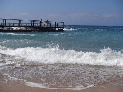 FOTKA - Cyprus - vlny nebývali často, prevažne bolo more pokojné