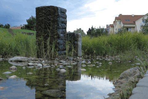 FOTKA - Parčík v Letňanech - s umělým minirybníčkem
