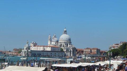 FOTKA - centrum Benátek