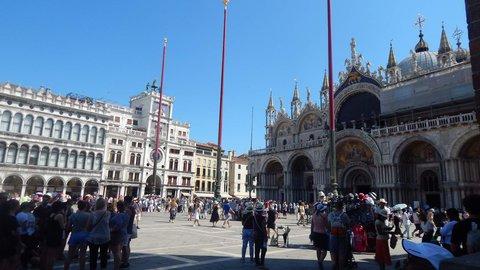 FOTKA - Benátky - hlava na hlavě