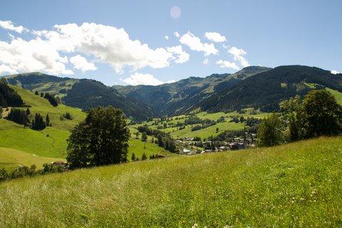 FOTKA - Výšlap ke Kronreith, Maria Alm - Pohled do údolí