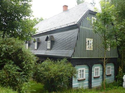 FOTKA - dům cestou k Mezní Louce